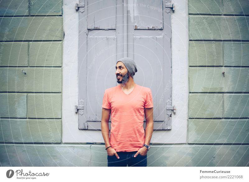 Urban young man (60) maskulin Junger Mann Jugendliche Erwachsene 1 Mensch 18-30 Jahre Mode Bekleidung Freizeit & Hobby Stadt lässig Außenaufnahme Fassade