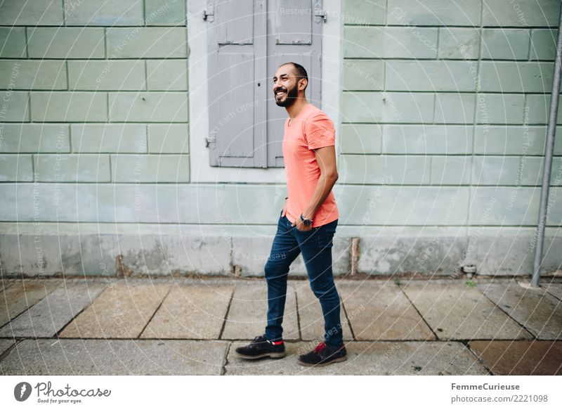Urban young man (87) maskulin Junger Mann Jugendliche Erwachsene 1 Mensch 18-30 Jahre Mode Bekleidung Freizeit & Hobby Stadt Spaziergang Fußgängerzone