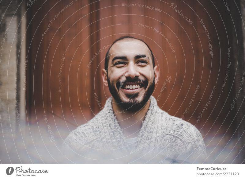 Urban young man (78) Lifestyle maskulin Junger Mann Jugendliche Erwachsene 1 Mensch 18-30 Jahre Mode Bekleidung Freizeit & Hobby Lächeln lachen Wollpullover