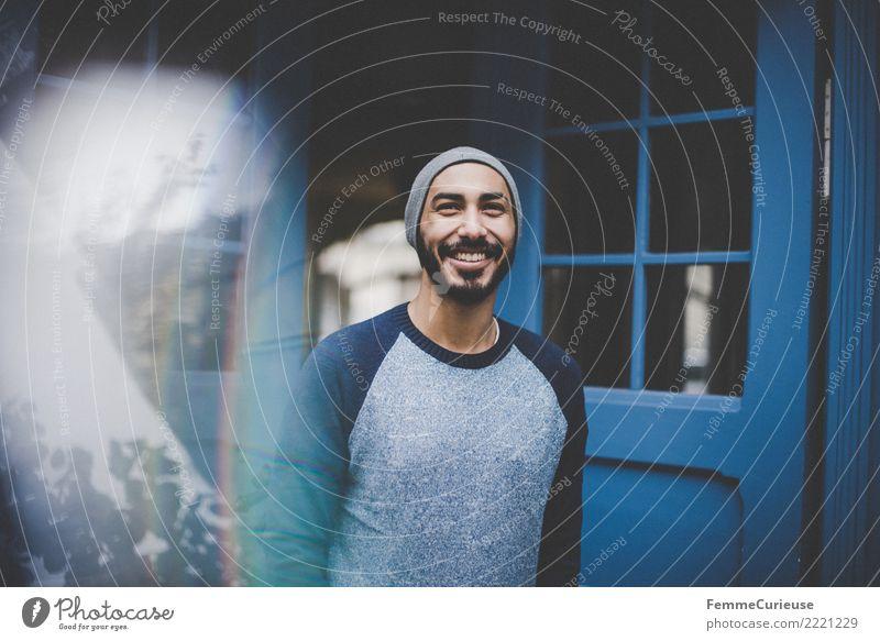 Urban young man (41) maskulin Junger Mann Jugendliche Erwachsene Mensch 18-30 Jahre Mode Bekleidung Freizeit & Hobby Stadtleben Coolness sportlich lässig