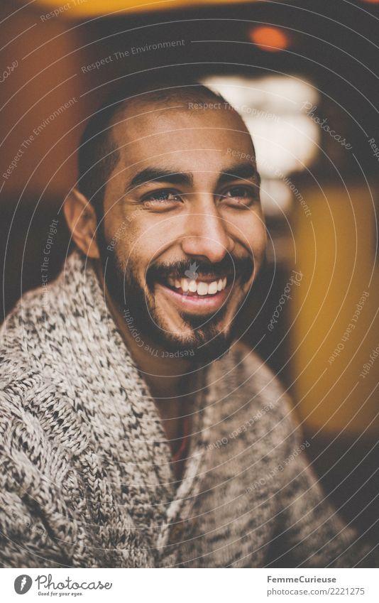 Urban young man (48) Lifestyle maskulin Junger Mann Jugendliche Erwachsene 1 Mensch 18-30 Jahre Mode Bekleidung Freizeit & Hobby Wollpullover Bart gemütlich