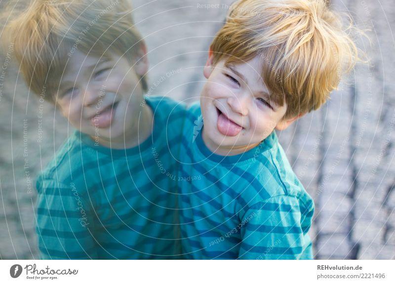 quatschmachen Freude Glück Mensch maskulin Kind Kleinkind Junge Kopf 1 3-8 Jahre Kindheit Pullover Haare & Frisuren blond kurzhaarig Kommunizieren Lächeln
