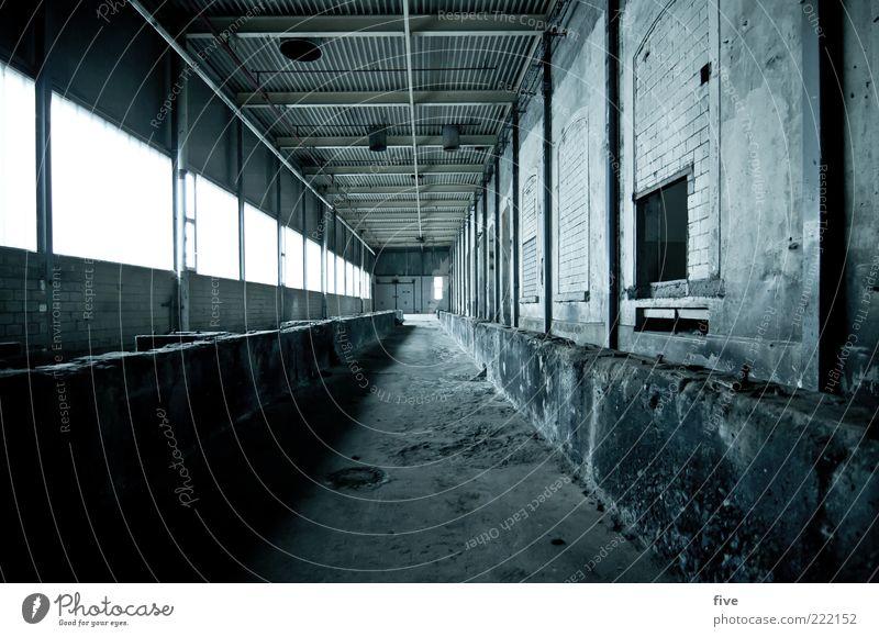 room03 alt dunkel kalt Wand Fenster Stein Mauer Gebäude leer Industrie Fabrik Boden Bauwerk Lagerhalle Flur Halle