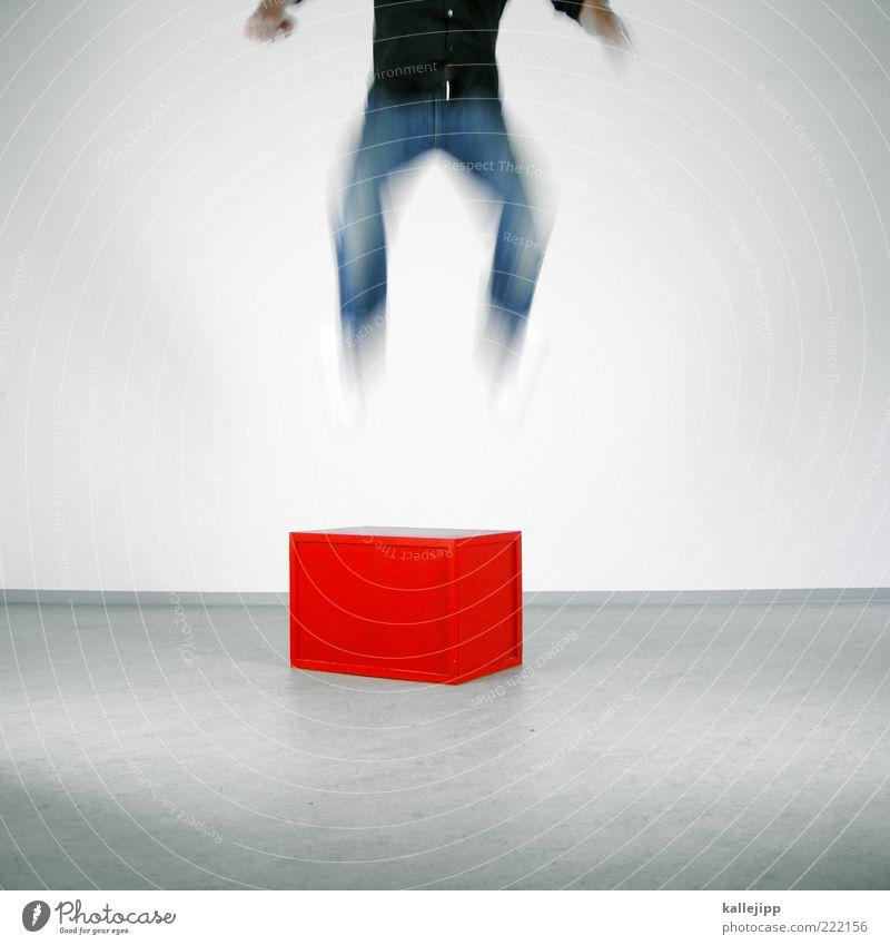 sprungteufel Sport Arbeit & Erwerbstätigkeit Karriere Erfolg maskulin Mann Erwachsene Beine Fuß 1 Mensch Hemd Jeanshose springen rot Freude Glück Fröhlichkeit