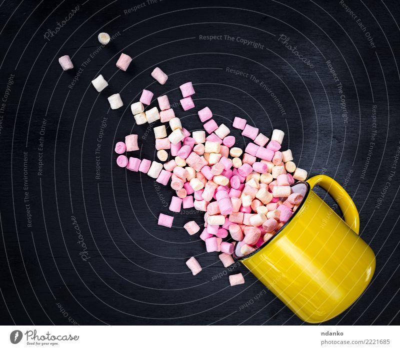 mehrfarbiger Marshmallow Dessert Tasse Essen lecker oben rosa schwarz weiß Hintergrund farbenfroh Bonbon Pastell Lebensmittel süß Zucker geschmackvoll fluffig
