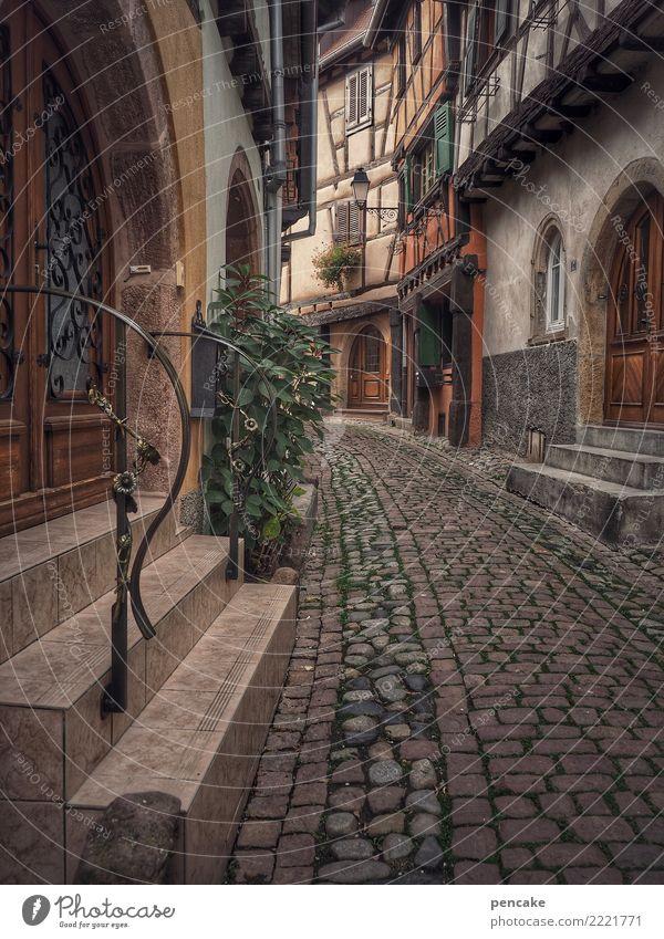 freizeitspaß | zeitseeingtour Tourismus Ausflug Sightseeing Städtereise Altstadt Haus Architektur Sehenswürdigkeit alt authentisch historisch retro Stadt Elsass