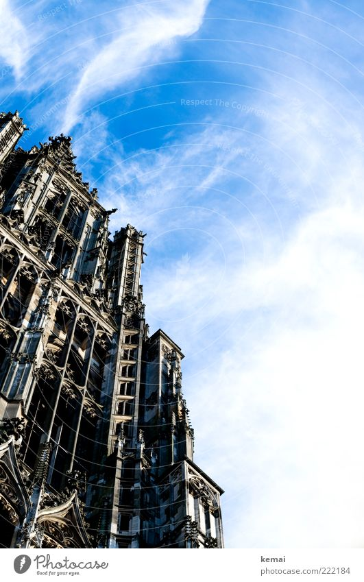 Himmelhoch (LT Ulm 14.11.10) Himmel alt Wolken Architektur Religion & Glaube Gebäude Fassade hoch außergewöhnlich Kirche Dekoration & Verzierung Bauwerk Denkmal historisch Schönes Wetter