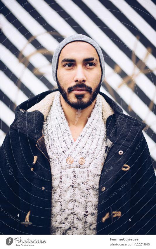 Urban young man (01) Mensch Jugendliche Mann Stadt Junger Mann 18-30 Jahre Erwachsene Lifestyle Stil Mode Stadtleben maskulin modern Bart Mütze Jacke