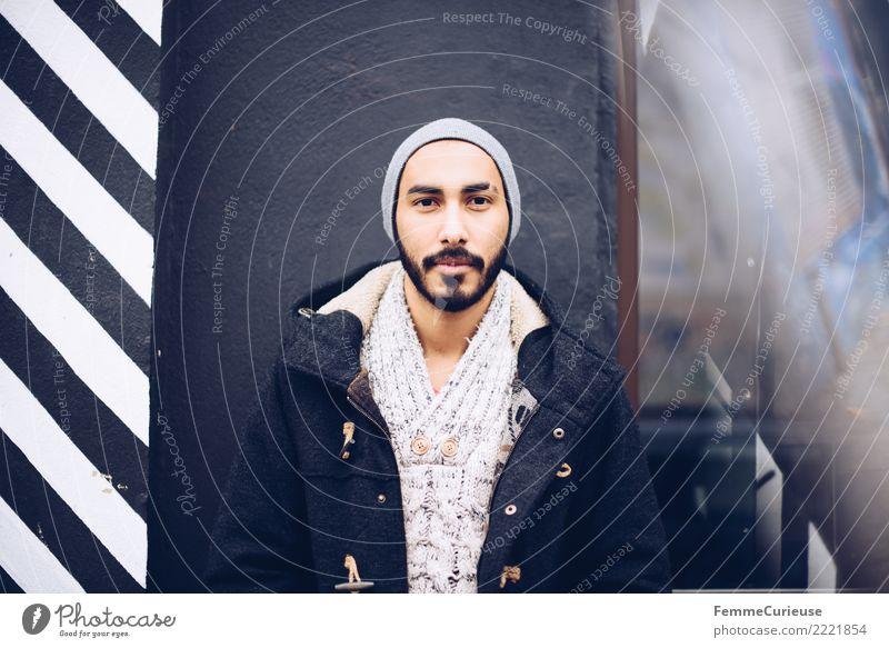 Urban young man (106) maskulin Junger Mann Jugendliche Erwachsene Mensch 18-30 Jahre Mode Bekleidung Freizeit & Hobby Stadt Mütze Parka Wollpullover Bart Fass