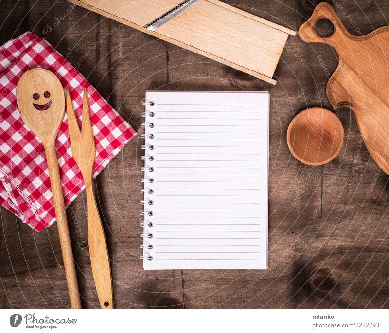 öffnen Sie Papier Notizblock in Zeile Schalen & Schüsseln Gabel Löffel Tisch Buch Holz braun rot weiß Tischwäsche Mahlzeit Kochbuch blanko Entwurf Top Rezept