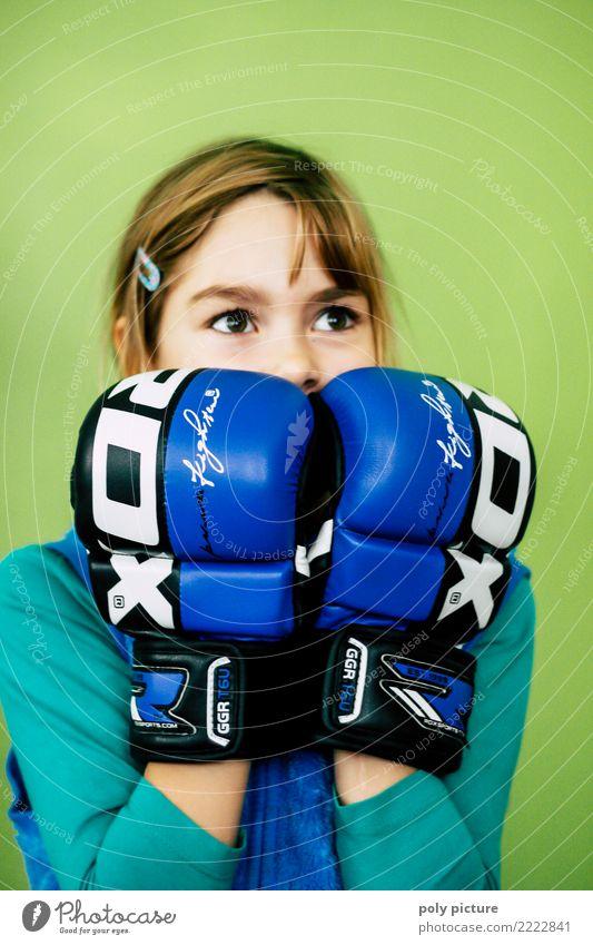 Girl Power! Lifestyle sportlich Fitness Sport Sport-Training Kampfsport Boxsport feminin Mädchen Jugendliche Kopf 1 Mensch 8-13 Jahre Kind Kindheit 13-18 Jahre