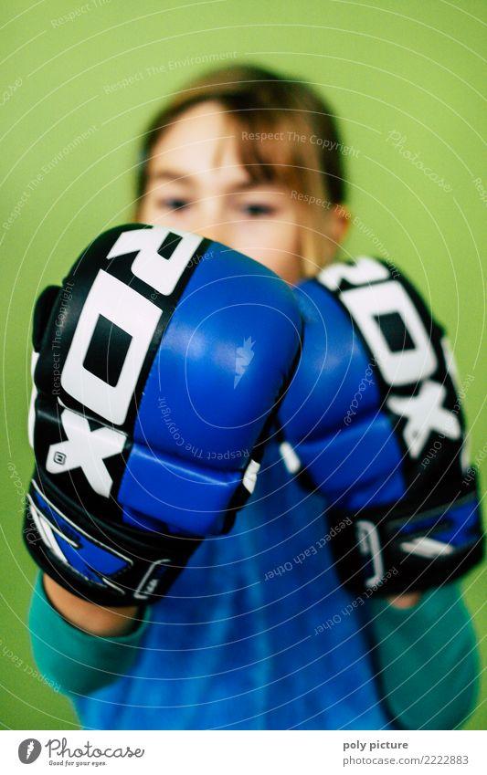 Komm mir bloß nicht zu nahe! Kind Jugendliche Junge Frau Sport Angst Kindheit Kraft Erfolg Macht Todesangst 8-13 Jahre Wut Mut Stress Konflikt & Streit Gewalt