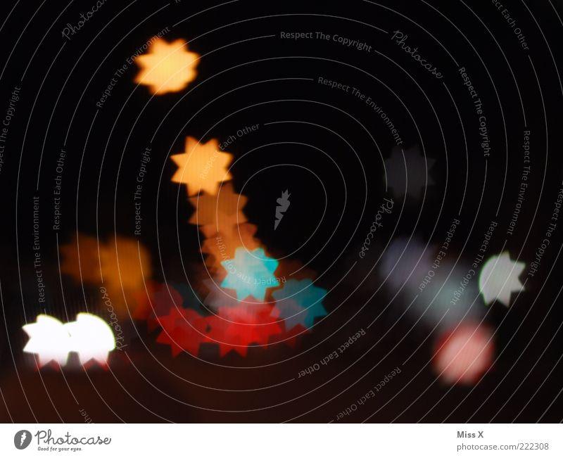 Stars Weihnachten & Advent dunkel hell Stern (Symbol) Dekoration & Verzierung leuchten Straßenbeleuchtung Textfreiraum Unschärfe
