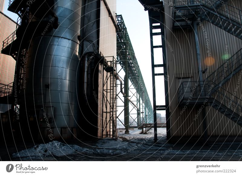 Werkstadt Industrie Schmelzofen Eisenhüttenstadt Industrieanlage dunkel kalt grau Kraft Stahl Eisenhüttenkombinat Ost EKO Stahl Farbfoto Außenaufnahme