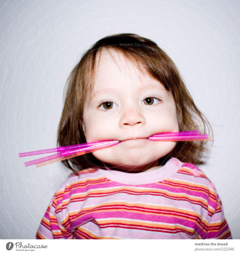 ICH BIN EIN STROHHALMMONSTER Mensch Mädchen Freude Gesicht Spielen Haare & Frisuren Glück lustig außergewöhnlich rosa Fröhlichkeit Streifen süß Kind niedlich einzigartig