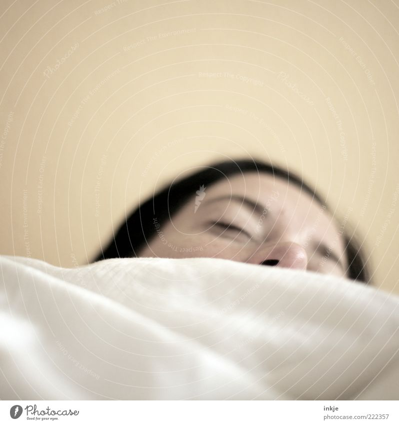 krrrrrr......püüüüühhhhhh...(sehr leise gesprochen) harmonisch Wohlgefühl Sinnesorgane Erholung ruhig Bett Feierabend Frau Erwachsene Gesicht Nase atmen