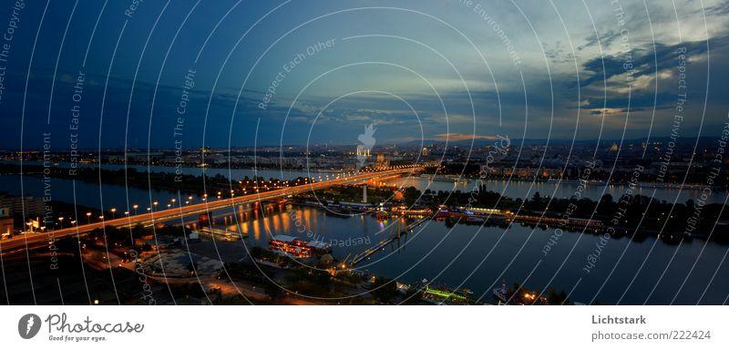 wien bei nacht Ferien & Urlaub & Reisen Tourismus Umwelt Natur Landschaft Wasser Himmel Nachthimmel Wien Österreich Hauptstadt Skyline Haus Brücke Gebäude