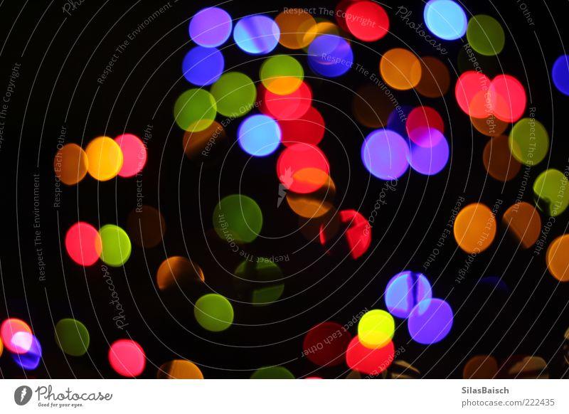 Colored Night Lampe Kunst Lichterkette Lichtspiel Lichtpunkt leuchten hell Kitsch verrückt Farbfoto Bewegungsunschärfe Starke Tiefenschärfe mehrfarbig viele