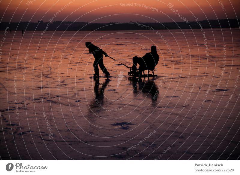 Winter Mensch alt Ferien & Urlaub & Reisen Winter Freude Erwachsene Ferne Leben Spielen Glück Kindheit Zufriedenheit Zusammensein frei ästhetisch Fröhlichkeit