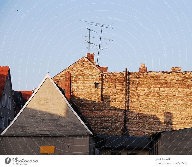 Wittenberg Nr.444 Himmel alt Einsamkeit ruhig Haus Zeit außergewöhnlich Fassade trist leuchten Technik & Technologie Schönes Wetter Vergänglichkeit