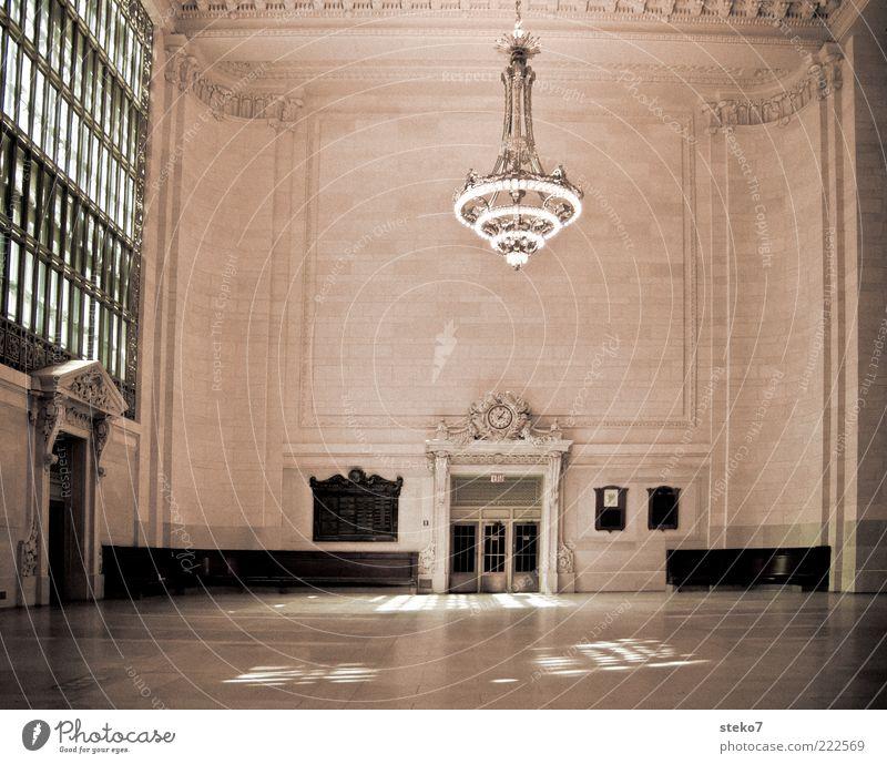Wartehalle Deluxe hell Tür elegant groß hoch leer ästhetisch Dekoration & Verzierung Sauberkeit Nostalgie Raum New York City Ornament Lampe Saal klassisch