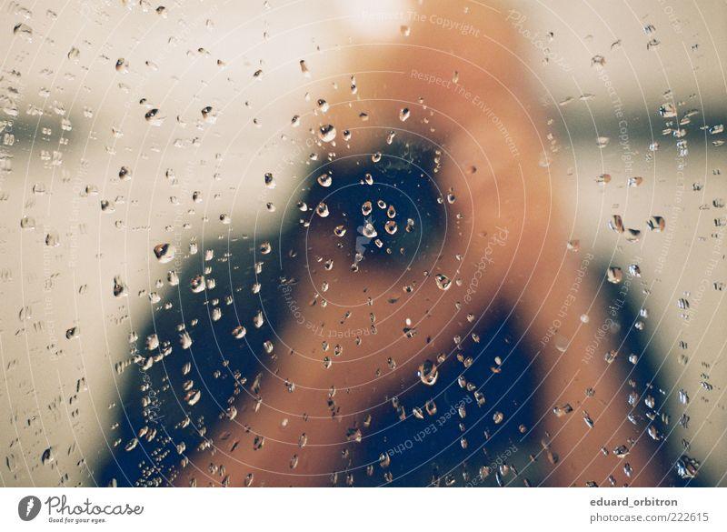 Clikilik Mensch Erwachsene maskulin Wassertropfen Bad Fotokamera 18-30 Jahre Spiegel entdecken feucht Fotograf Textfreiraum Selbstportrait Junger Mann