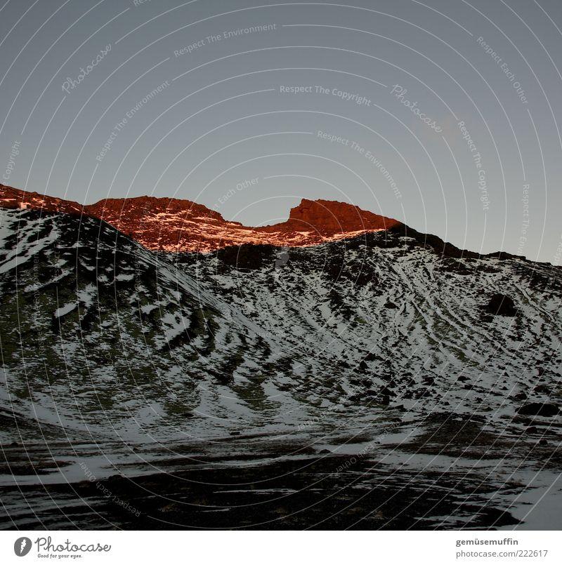 iceland rocks Umwelt Natur Wolkenloser Himmel Sonnenaufgang Sonnenuntergang Sonnenlicht Winter Berge u. Gebirge Schneebedeckte Gipfel Vulkan außergewöhnlich