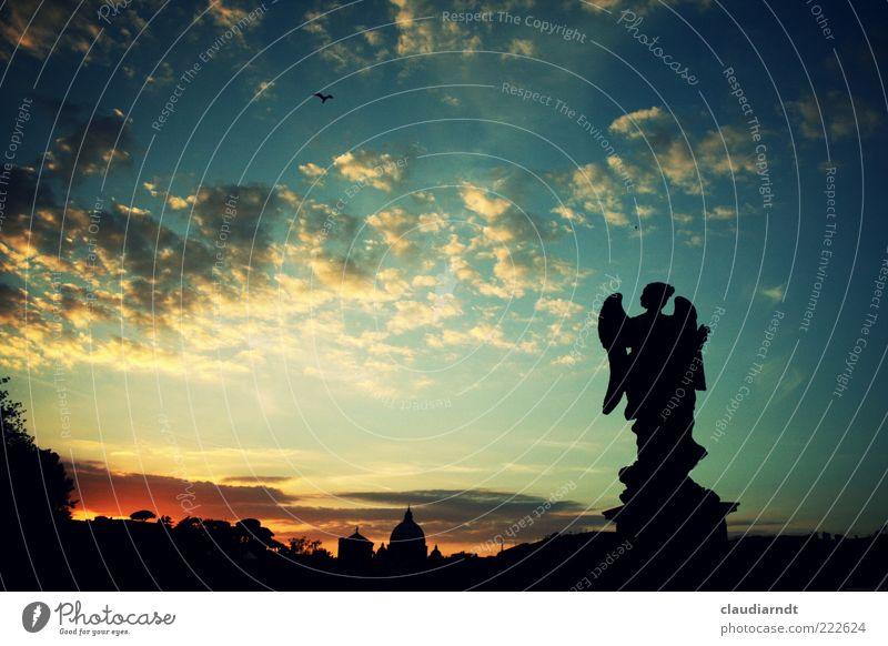 Abendgebet Stadt schön Stimmung Hoffnung ästhetisch Engel außergewöhnlich Statue Skyline Denkmal Skulptur Stadtzentrum Glaube Himmel Abenddämmerung Rom