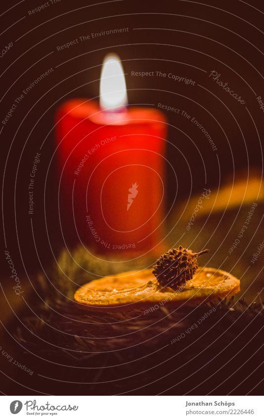 Weihnachtskerze I Weihnachten & Advent Adventskranz Detailaufnahme Kerzendocht Docht Flamme Licht Makroaufnahme Nahaufnahme groß Stimmung Tradition Wachs Zimt