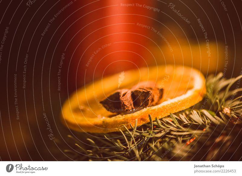 Weihnachtsdeko Zitrone auf Adventskranz Weihnachten & Advent rot Wärme Beleuchtung Stimmung Häusliches Leben hell Dekoration & Verzierung Hoffnung Kerze