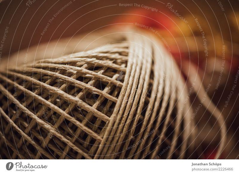 Ich rolle mit meinen Schnüren II Freizeit & Hobby Basteln Dekoration & Verzierung Kunst Schnur grau Bastelbedarf Bastelkiste Do it yourself Werken wickeln Kiste