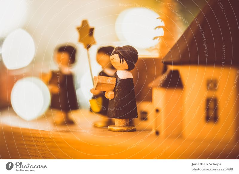 Weihnachtsdeko mit Bokeh X Dekoration & Verzierung Weihnachten & Advent Sänger Wärme hell Stimmung Hoffnung Tradition Erzgebirge Erzgebirgskunst Figur Holzfigur