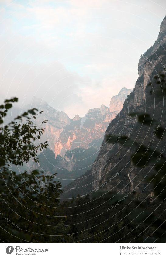 Massiv Landschaft Himmel Herbst Alpen Berge u. Gebirge Dolomiten massiv Gipfel Schlucht eckig gigantisch kahl karg Morgendämmerung Felsen hoch steil gefährlich