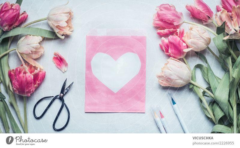 Tulpen und Grußkarte mit Herz Pflanze Blume Freude Blüte Hintergrundbild Liebe Frühling Gefühle Stil Feste & Feiern rosa Stimmung Design Dekoration & Verzierung