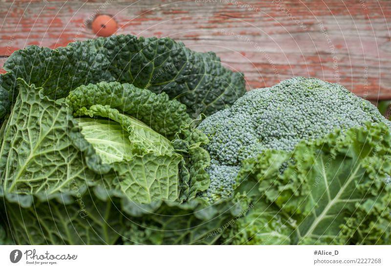 Gesundes Grünzeug Lebensmittel Gemüse Wirsing Kohl Grünkohlblatt Brokkoli Ernährung Bioprodukte Vegetarische Ernährung Diät Gesundheit frisch lecker natürlich