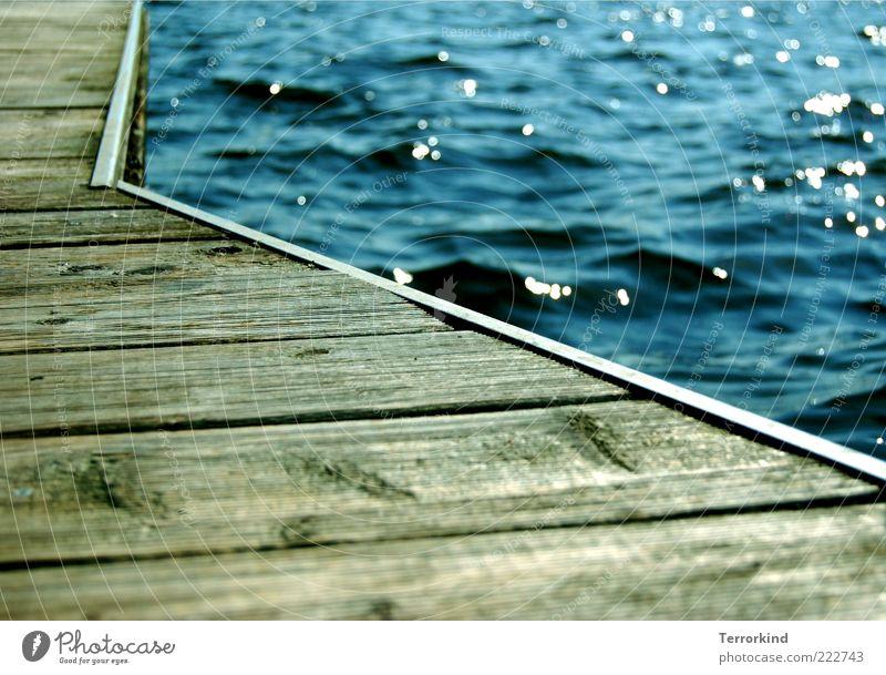 109daysago Meer See Alster Steg Holz Sonne Schneidebrett Anlegestelle Reflexion & Spiegelung Wasseroberfläche Wasserspiegelung Wellen Textfreiraum unten