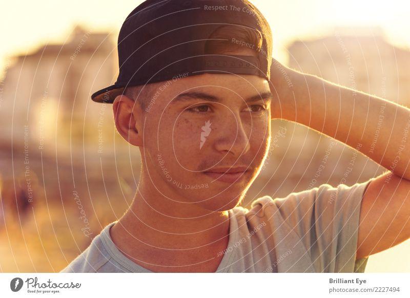 Meeresblick Lifestyle Ferien & Urlaub & Reisen Sommer Strand Mensch maskulin Kopf 1 13-18 Jahre Jugendliche Natur beobachten Lächeln Coolness Glück Stimmung