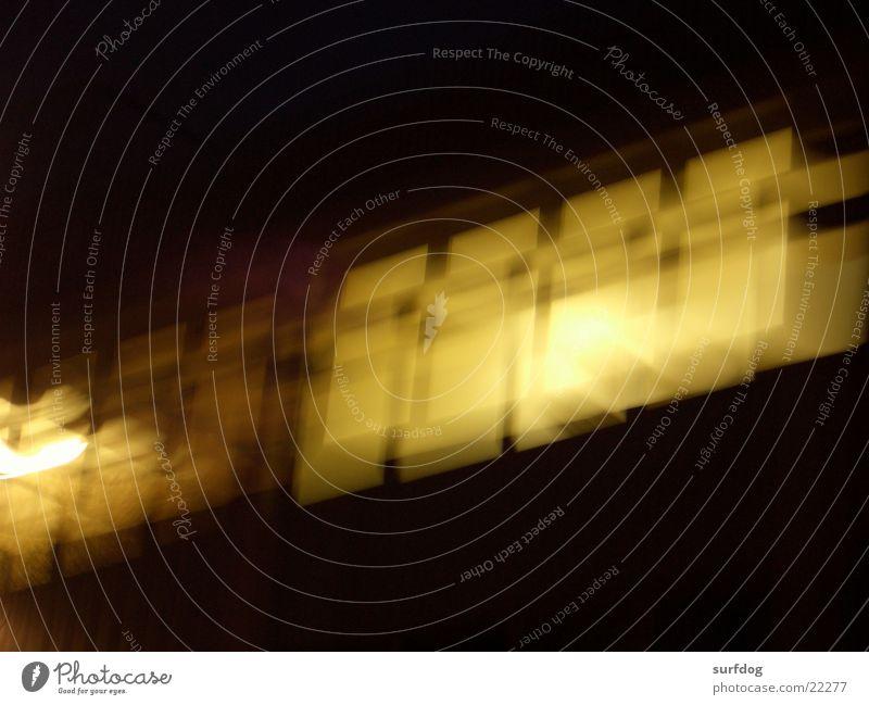 erdbeben Langzeitbelichtung Unschärfe Fabrik Fenster dunkel Architektur hell