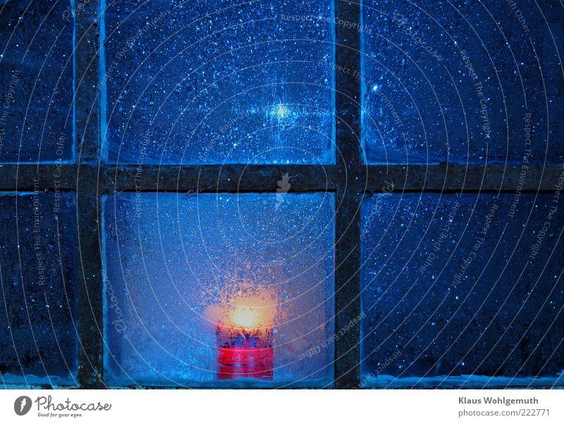 Advent ruhig Dekoration & Verzierung Winter Eis Frost Gebäude Fenster Glas Kristalle frieren leuchten blau gold schwarz Geborgenheit Romantik kalt Kerze