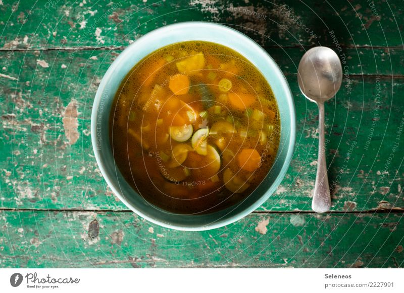 Suppenkasper Lebensmittel Gemüse Suppengrün Minestrone Zucchini Möhre Ernährung Essen Mittagessen Abendessen Bioprodukte Vegetarische Ernährung Diät