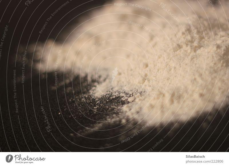 Unter Dealern liegen Rauschmittel Haufen Pulver Mehl