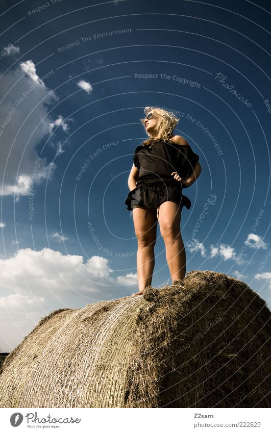 mai 2009 Mensch Natur Himmel Jugendliche schön Wolken schwarz Erholung feminin Stil Glück träumen Umwelt Erwachsene blond Zufriedenheit