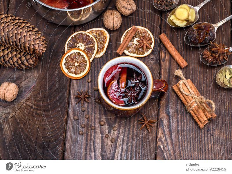 Weihnachten & Advent rot natürlich Holz Feste & Feiern braun Frucht Dekoration & Verzierung Tisch Papier Kräuter & Gewürze Getränk heiß Tradition Tasse Scheibe