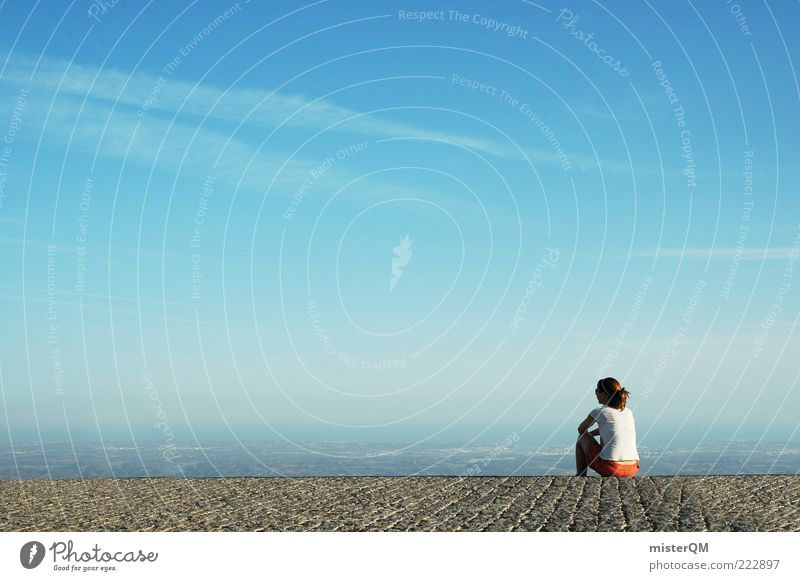 Close to Heaven. feminin Junge Frau Jugendliche ästhetisch Zufriedenheit Zukunft Denken träumen Zukunftstraum Zukunftsorientiert Aussicht Ferne Horizont Pause