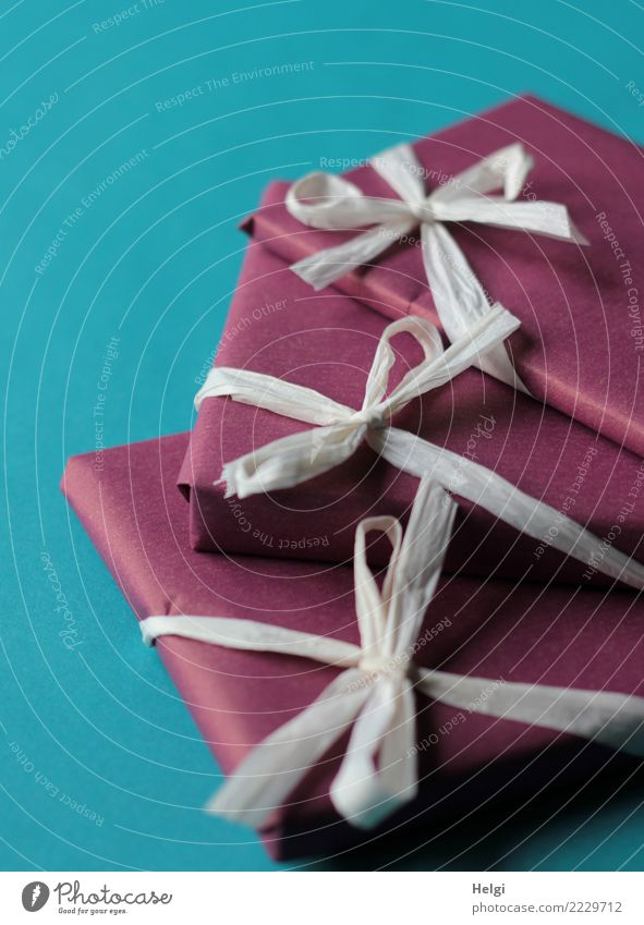 Geschenke Feste & Feiern Valentinstag Muttertag Weihnachten & Advent Geburtstag Dekoration & Verzierung Schleife Geschenkpapier Geschenkband Paket liegen