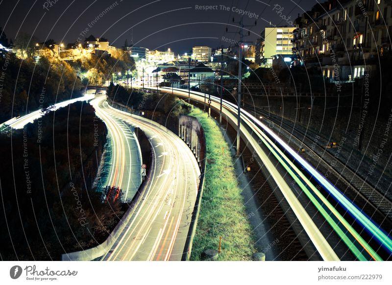 Nachtlichter Neuenburg Schweiz Europa Kleinstadt Stadt Stadtrand bevölkert Bauwerk Architektur Straße Wege & Pfade Wegkreuzung Autobahn Fahrzeug PKW Eisenbahn