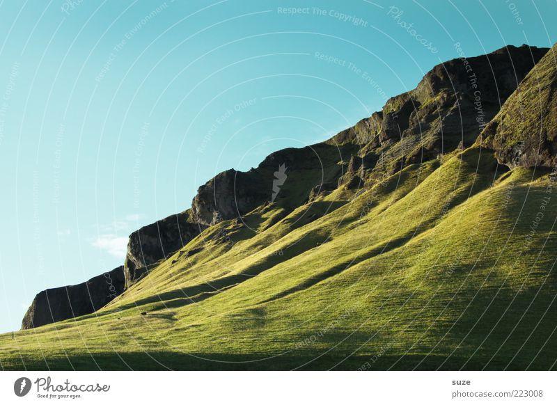 Grüner Teppich Natur schön Himmel grün blau Ferien & Urlaub & Reisen Ferne Wiese Berge u. Gebirge Landschaft Umwelt groß Felsen Tourismus Klima Hügel