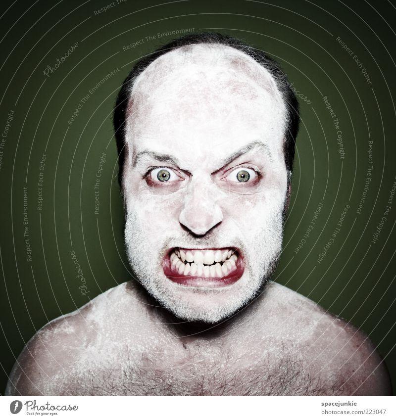 Weiße Weihnachten Mann Erwachsene Auge Kopf Angst maskulin gefährlich verrückt außergewöhnlich Zähne Wut Todesangst Schmerz Stress Glatze Künstler