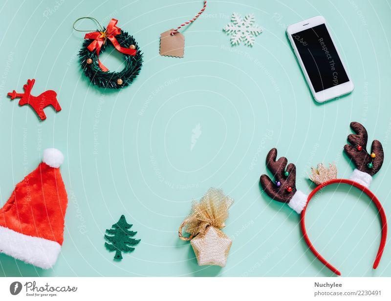 Flache Lage von Weihnachtsschmuck Frau Weihnachten & Advent Farbe grün Freude Erwachsene Lifestyle Stil Mode Feste & Feiern Design Textfreiraum hell