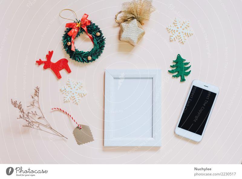 Modell des Fotorahmens mit Weihnachtsverzierungen Natur Weihnachten & Advent Farbe schön weiß gelb Lifestyle Stil Feste & Feiern Design Textfreiraum hell retro